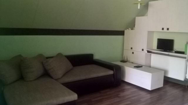 Emeleti apartman - szekrény+kanapéágy